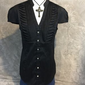Detailed Button Down